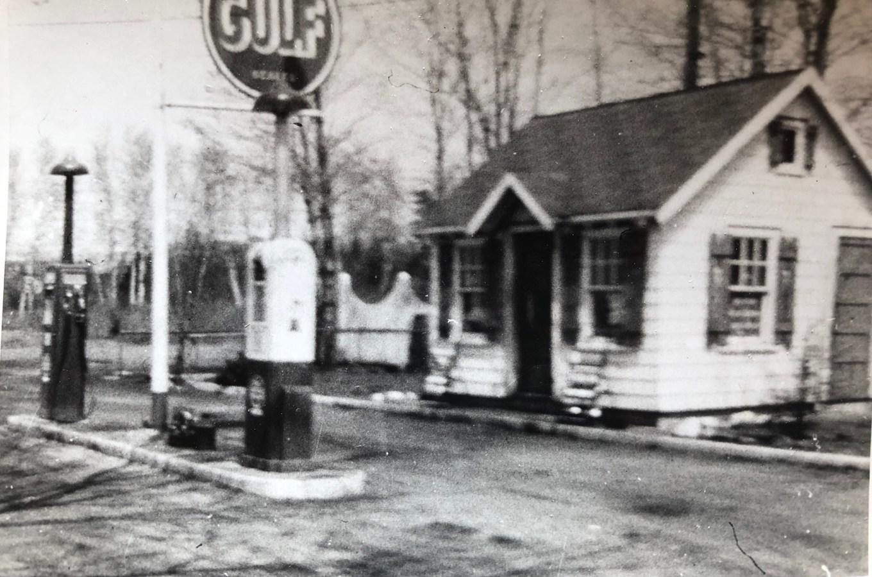 Late 1940s: Gulf station near current location of Burlington House of Pizza, Cambridge St Burlington MA