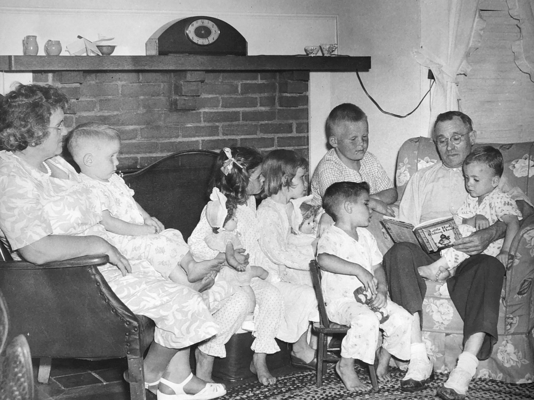 Wayne with whole family, Burlington MA