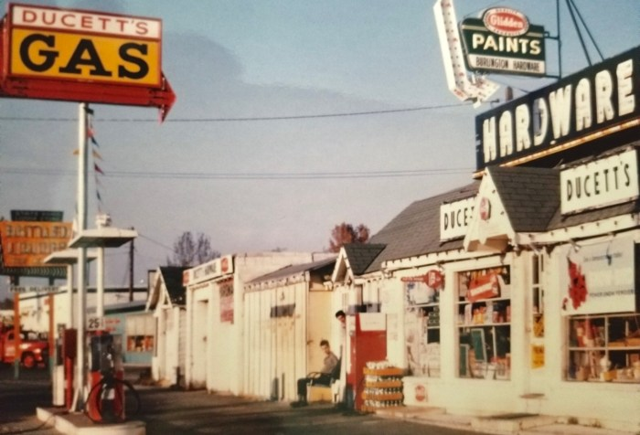 DuCett's in living color, Burlington MA