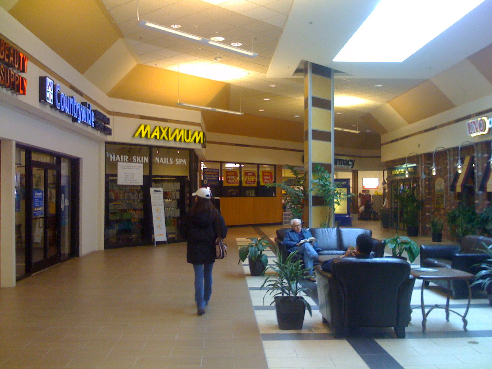 Woburn Mall 2001 -3