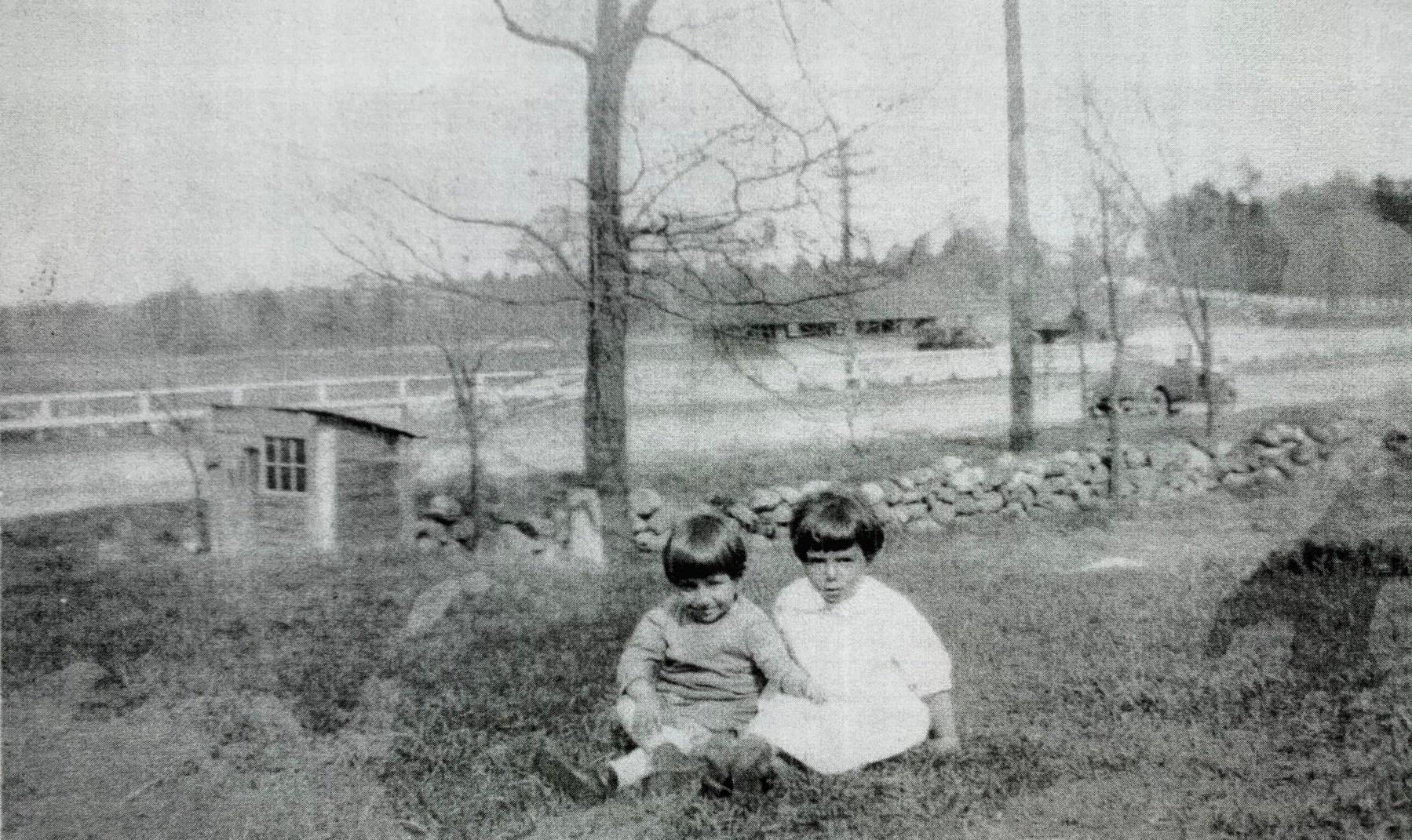 Gregory B. Khackadoorian and Ann Mary Shahzade, Burlington MA