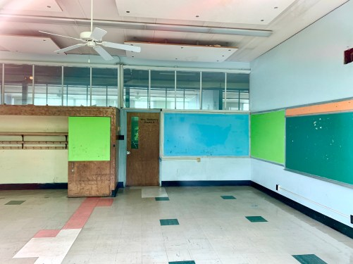 Daniel P. Hurld Elementary School 16 Woburn MA