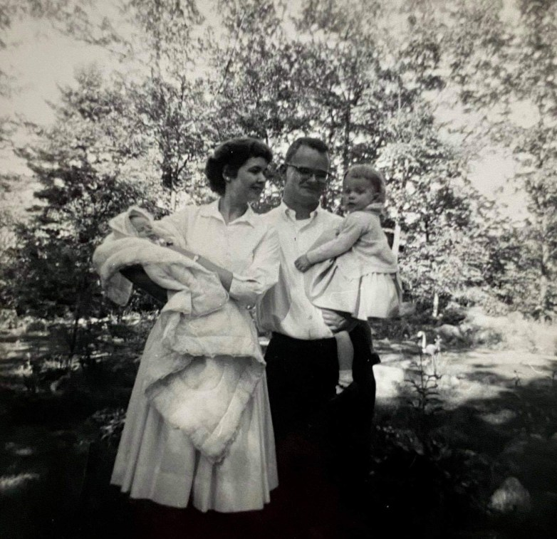 Bo-Dell cofounder Bob Rollins and family