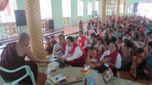 ရှင်စောပု (မွန်အမျိုးသမီးစွမ်းဆောင်ရှင်များအသင်း) မှ နွေရာသီ မွန်စာပေသင်တန်းကျောင်းအား စာအုပ်လှူဒါန်စဉ်