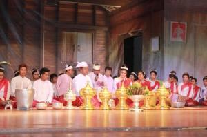 မွန်လူမျိုး လက်ထပ်မင်္ဂလာ ပြကွက် (Mi Kon Htaw)