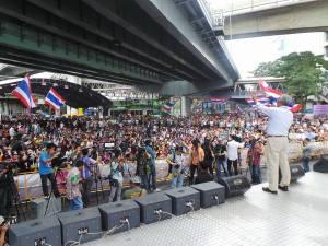 ရွေးကောက်ပွဲအပြီး အစိုးရအတိုက်အခံများဆက်လက်ဆန္ဒပြစဉ် (photo: Suthep Thaugsuban)