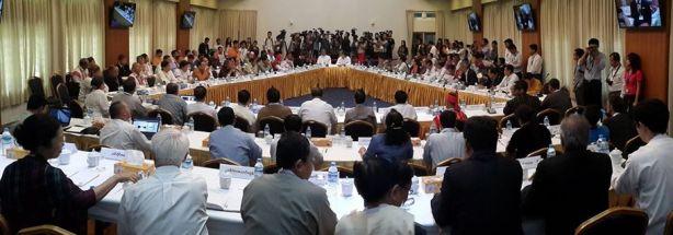 သုံးပွင့်ဆိုင် ငြိမ်းချမ်းရေး ဆွေးနွေးပွဲ(ဓါတ်ပုံ- ညိုအုန်းမြင့် FB)