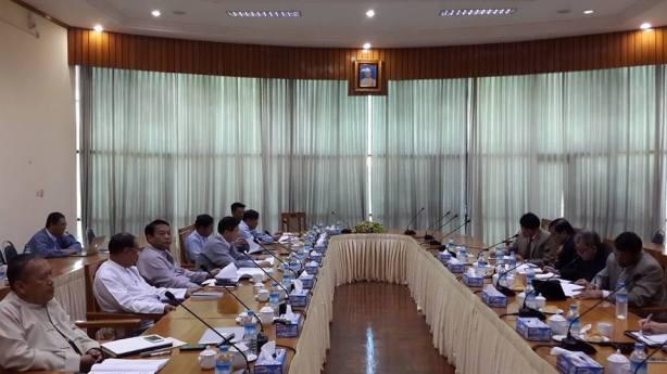 နိုင်ဟံသာဦးဆောင်သော NCCT အဖွဲ့နှင့် ဦးအောင်မင်း ဦးဆောင်သော UPWC အဖွဲ့တို့ ယမန်နေ့က အလွတ်သဘောတွေ့ဆုံစဉ်