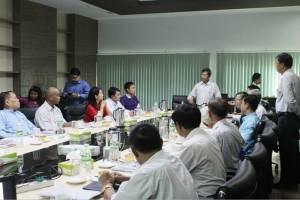မွန်လွှတ်တော်ကိုယ်စားလှယ်များနှင့် MCL တို့တွေ့ဆုံဆွေးနွေးကြစဉ်(MNA)