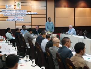 UNFC ဒု-ဥက္ကဌ နိုင်ဟံသာ Workshop တစ်ခုတွင် တက်ရောက်ဆွေးနွေးစဉ်(ENAC Burma)