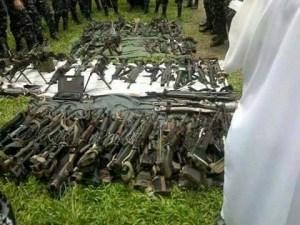 တိုက်ပွဲအတွင်း သိမ်းဆည်းရမိသောလက်နက်များ(Saw Lay Facebook)