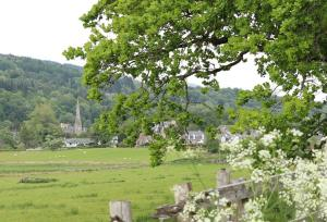 callander landscape with kirk
