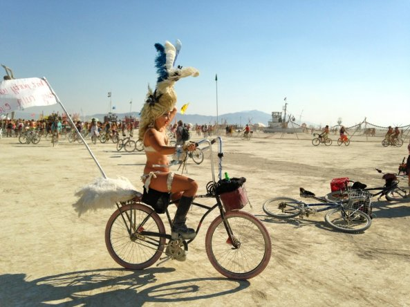 everyone-used-bikes-to-get-around-the-burning-man-desert-but-that-didnt-stop-people-from-breaking-out-their-best-costumes