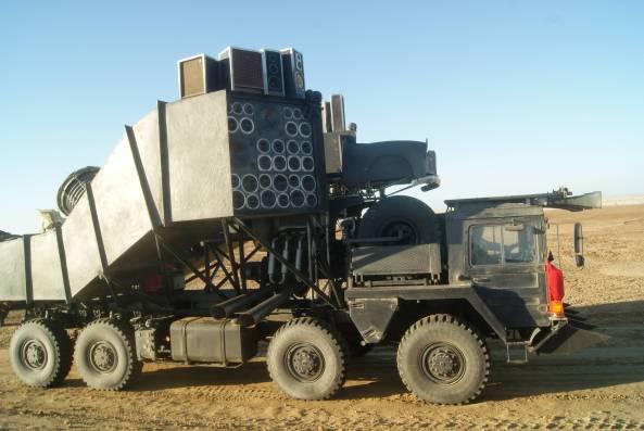 mad_max_4_fury_road_speaker_truck_wtf___2_by_maltian-d5okx0d
