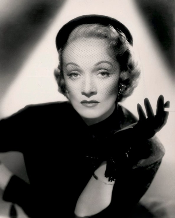 Marlene Dietrich, 1940's. Restored by Nick & jane for Doctor Macro's High Quality Movie Scans website: http://www.doctormacro.com. Enjoy!