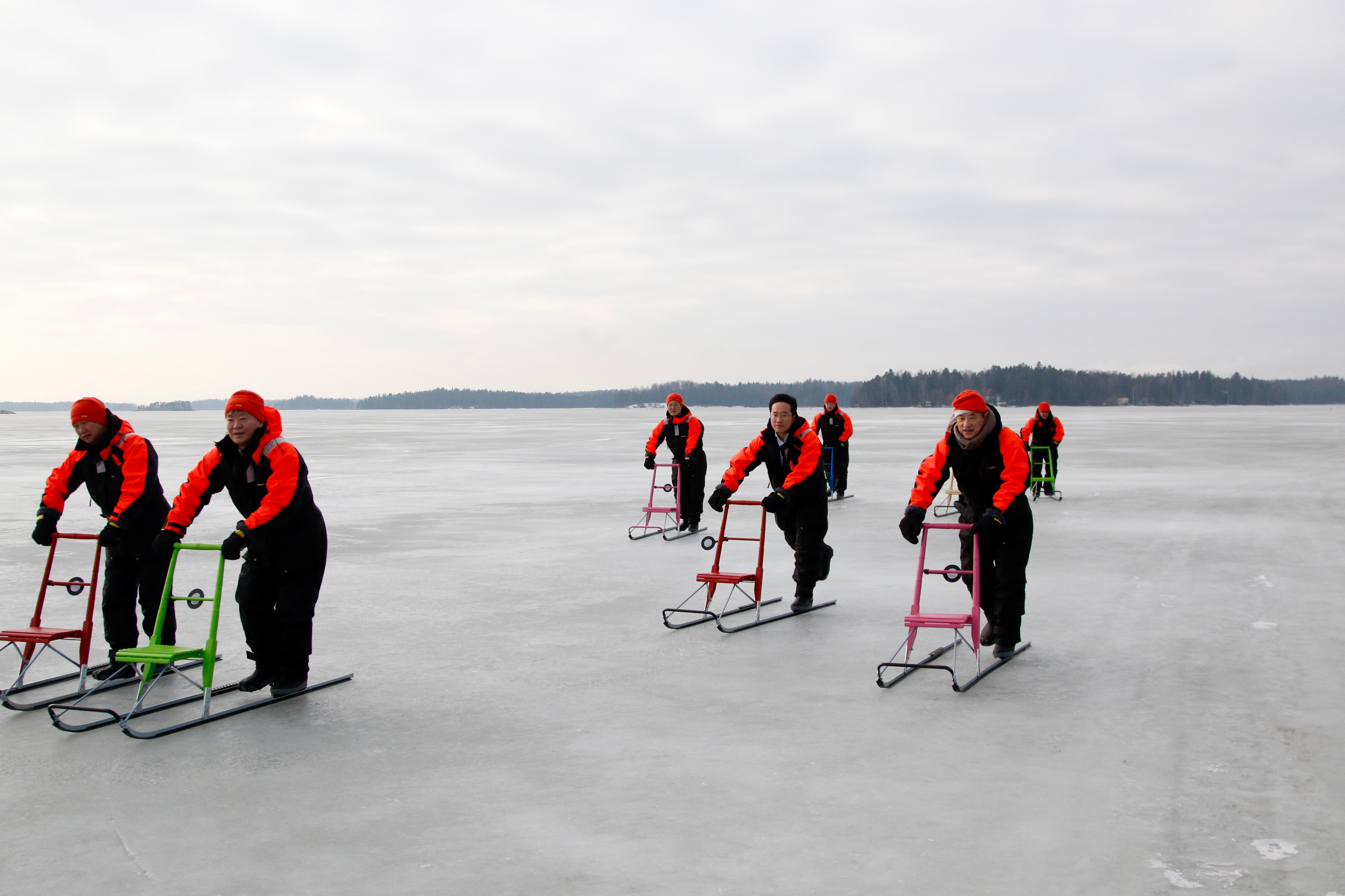 ice fishing chair beach lounger kicksled tour   burn out city