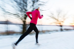 women running in winter