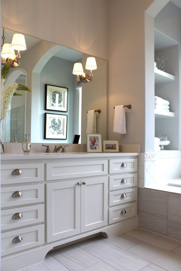 White Shaker Style Bathroom Cabinets