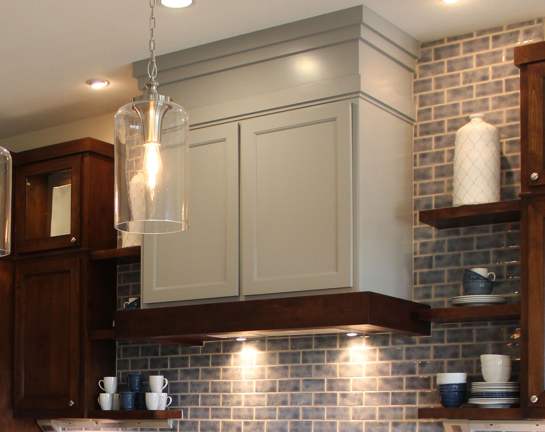 Vent Hood  Craftsman  Burrows Cabinets  central Texas builderdirect custom cabinets