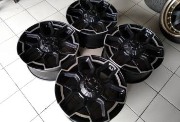 VELG SECOND REP TWIST r20x 8,5 et 40 h10x114/127 black/polish