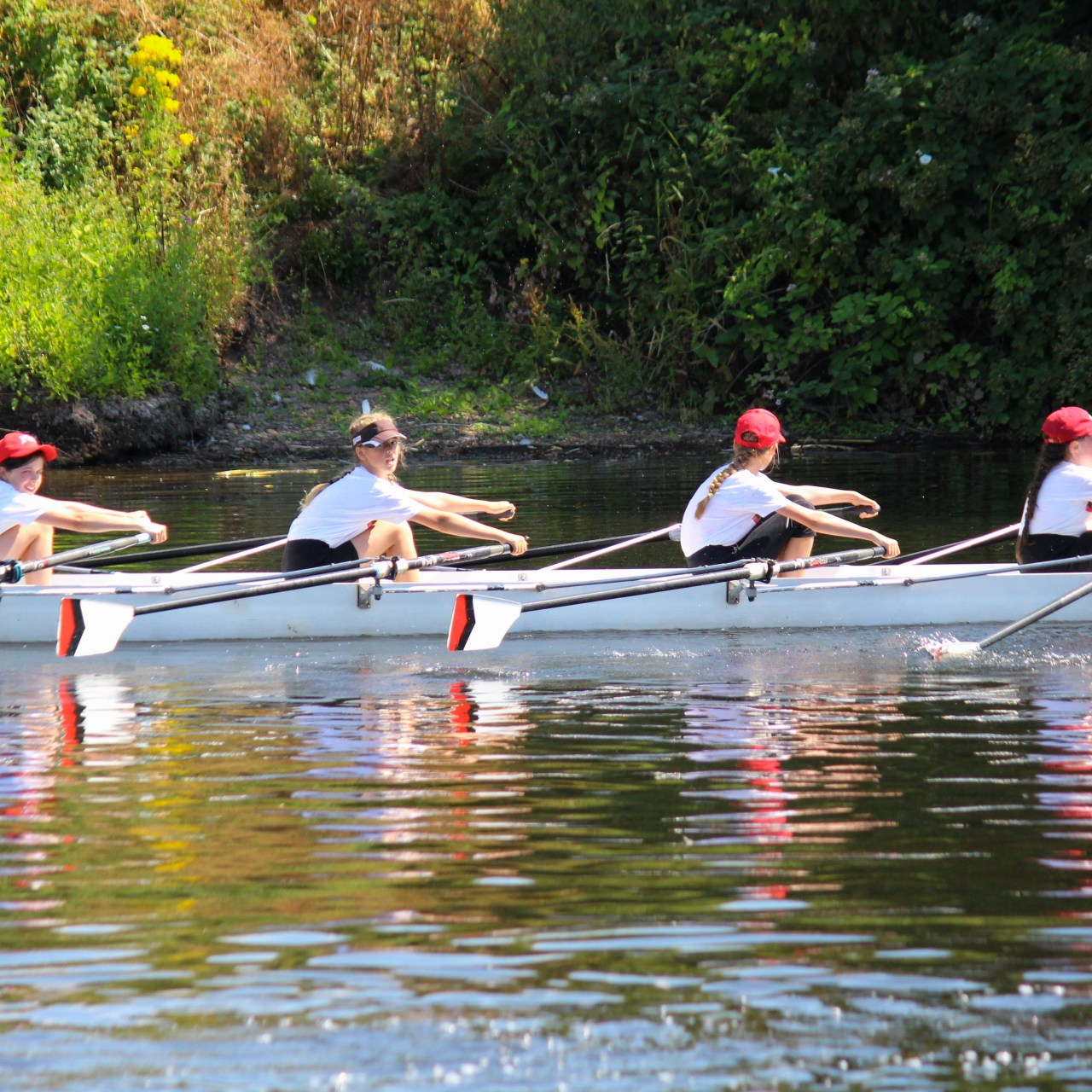 https://i0.wp.com/burtonleanderrowingclub.co.uk/wp-content/uploads/2019/01/regatta-2018.3.jpg?resize=1280%2C1280&ssl=1