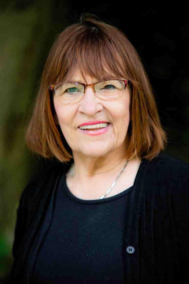 Elly Burton
