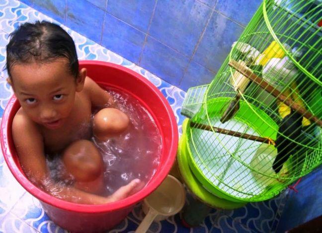 Revo selalu mandi di dekat Bulbul (ida-nurlaila.blogspot.co.id)
