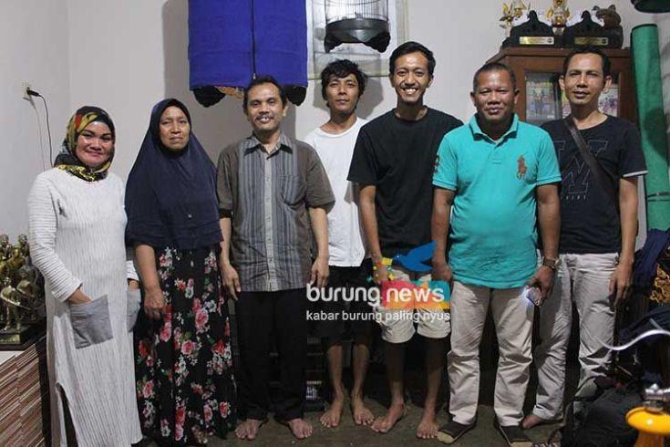 Transaksi Lovebird Gendewo di Banjarnegara (burungnews.com)