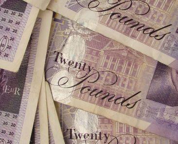 gbp-britain-england-pound-fx-money-currency-14-zdroj-w4t