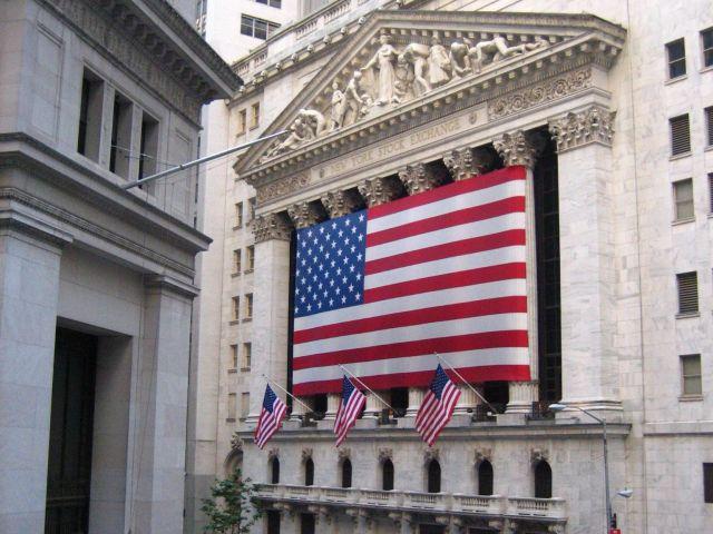 nyse-usa-flag-stock-trading