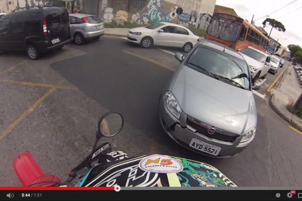 Dando uma zoada num motorista folgado no Portão