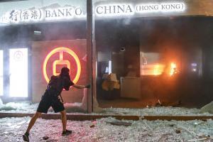 Lee más sobre el artículo Por qué Bitcoin: los cajeros automáticos de Hong Kong se han quedado sin efectivo, dicen los locales