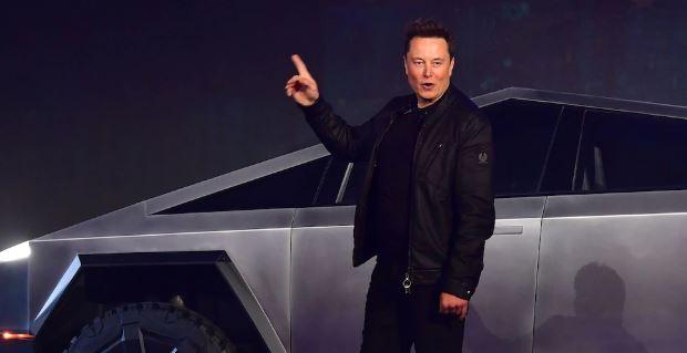 En este momento estás viendo Un trader en Reddit presume una ganancia de $ 4.3 millones en el pico de acciones de Tesla