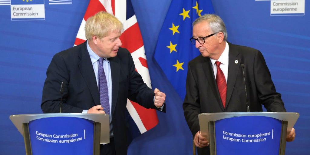 En este momento estás viendo Johnson reclama otra victoria mientras Gran Bretaña se acerca a la puerta del Brexit