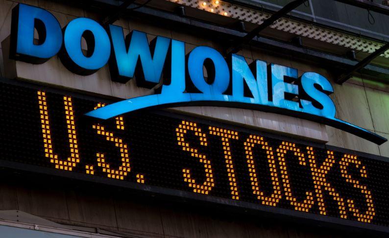 En este momento estás viendo DowJones sube 500 puntos mientras la Casa Blanca detalla planes para combatir la desaceleración del coronavirus ¿$850 billones mas?