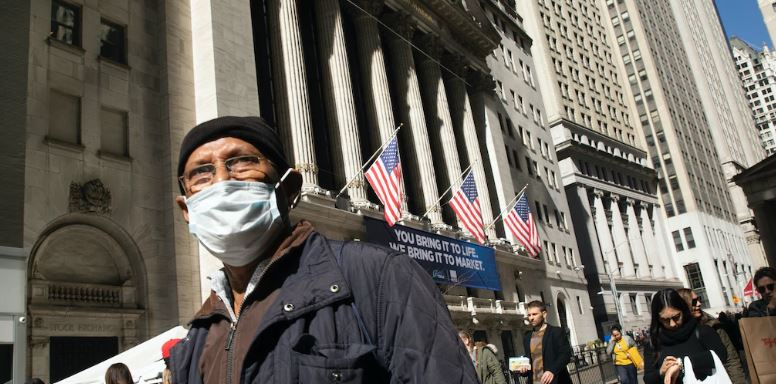 En este momento estás viendo Las acciones estadounidenses probablemente hayan tocado fondo luego de billones de dólares de alivio del coronavirus, dice Goldman