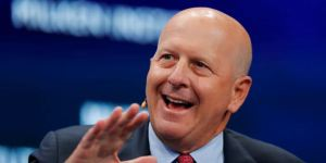 Lee más sobre el artículo Las ganancias de Goldman Sachs cayeron un 46% el último trimestre debido a que los coronavirus sacudieron los mercados