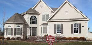 Lee más sobre el artículo Los precios de las viviendas en Estados Unidos caerán 6.6% durante el próximo año a medida que las consecuencias de COVID-19 empeoren, según un informe