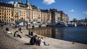 Lee más sobre el artículo Suecia tuvo uno de los bloqueos de COVID-19 más relajados del mundo. Cada vez hay más pruebas que lo ayudaron a resistir la tormenta económica de 2020 mejor que en cualquier otro lugar