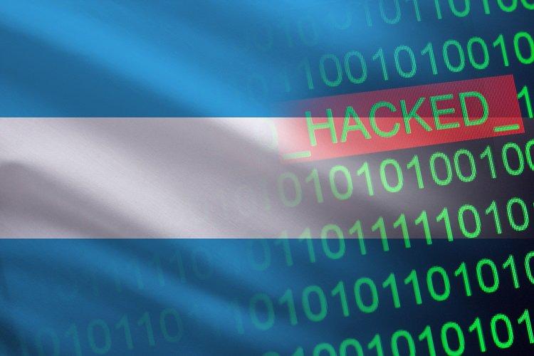 En este momento estás viendo Argentina: hackean cuenta de Twitter gubernamental y ofrecen bitcoin por un magnicidio