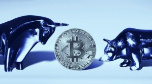 Lee más sobre el artículo Bitcoin supera brevemente los $60K antes de la aprobación esperada de ETF de futuros de BTC