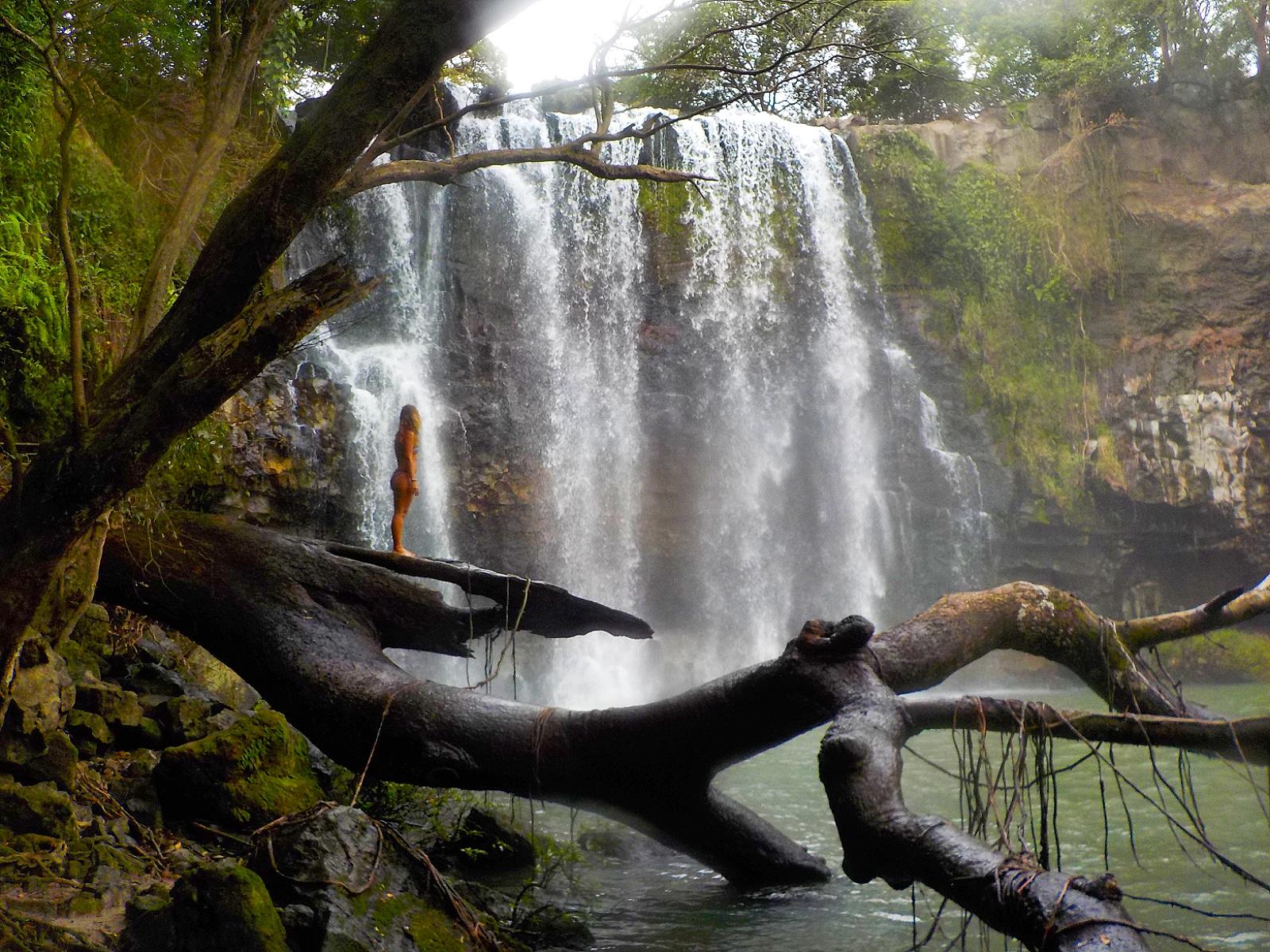 Catarata Llanos de Cortés, Costa Rica