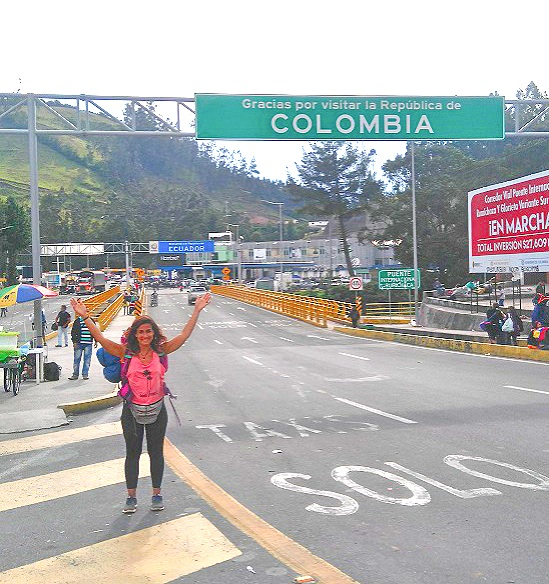 Cruce de frontera Colombia - Ecuador, puente internacional de Rumicacha
