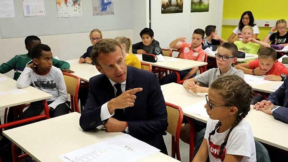 Niños y adolescentes franceses regresaron a las clases, pero sin teléfonos móviles
