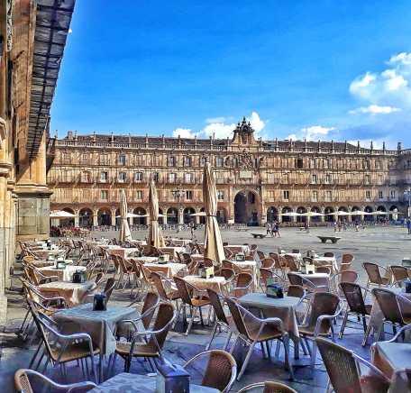terrazas en verano en la Plaza Mayor de Salamanca