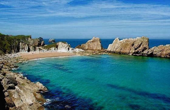 Costa Quebrada. Playa de Arnía