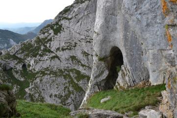 Cueva donde vive la Mari