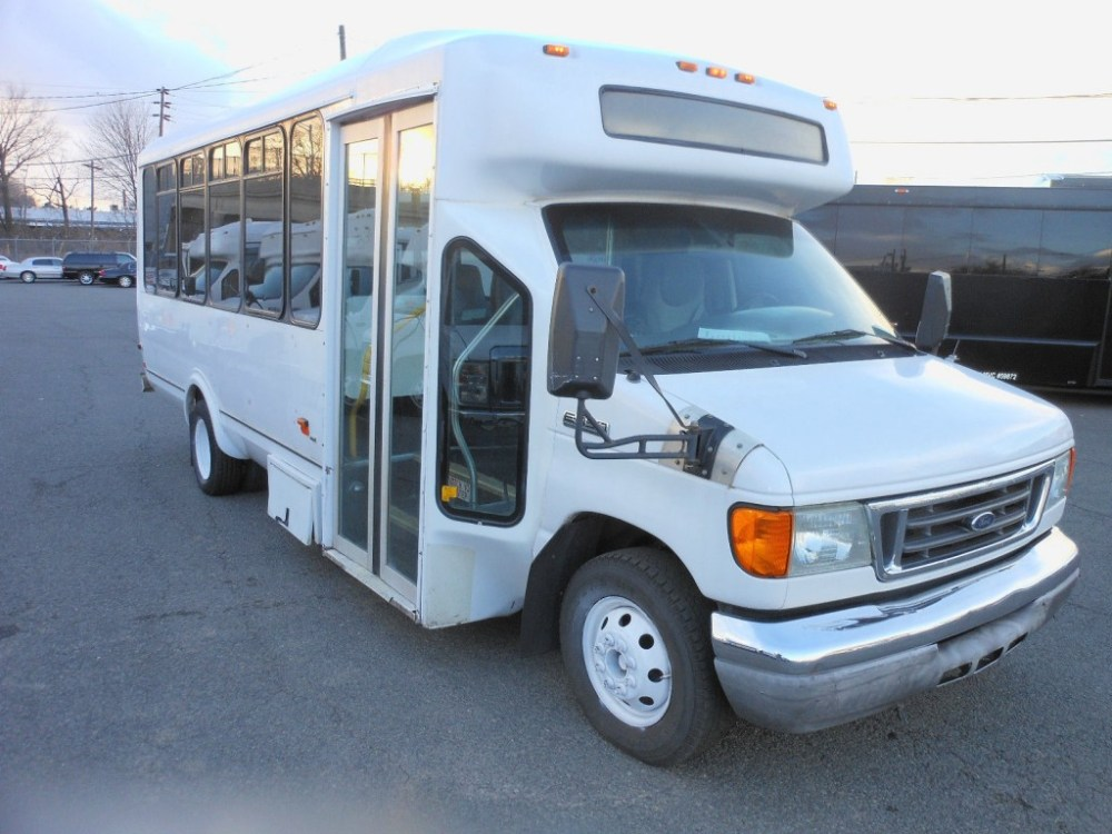 medium resolution of 2006 ford e450 super duty mini bus 21 pax