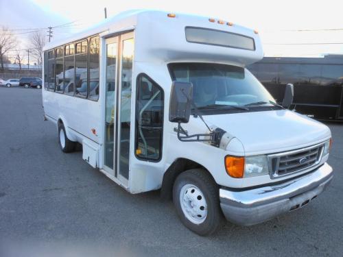 small resolution of 2006 ford e450 super duty mini bus 21 pax