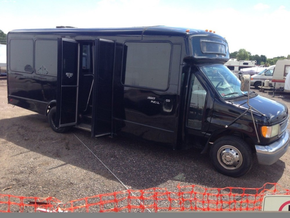 medium resolution of 2002 ford e 450 super duty v 10 party limo shuttle